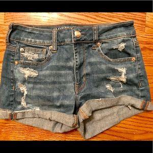 American Eagle / Classic Ripped Denim Shorts
